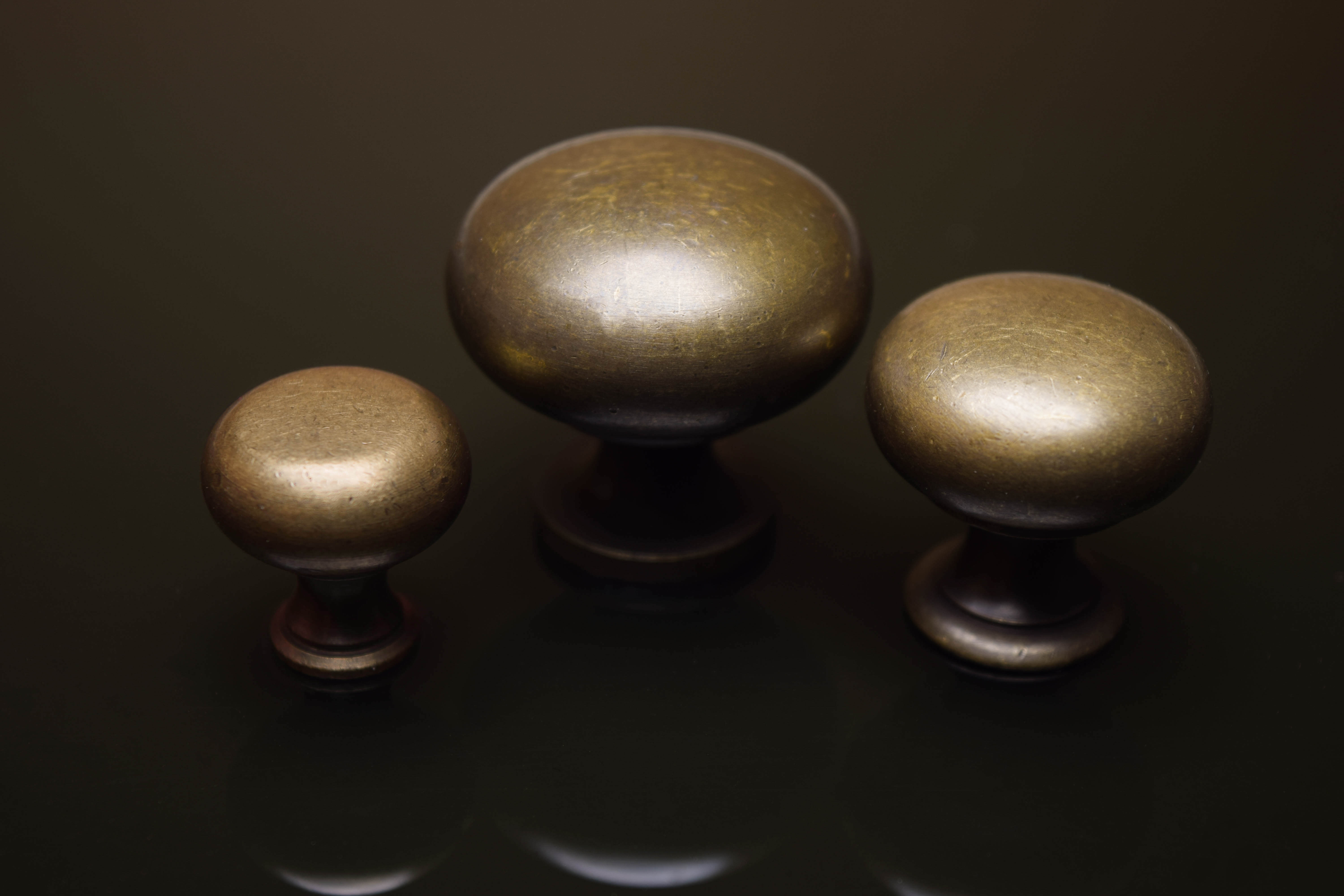 authentic solid brass knobs at Horton Brasses